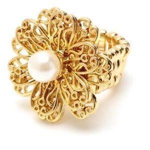 NWT Amrita Singh filigree ring with glass pearl